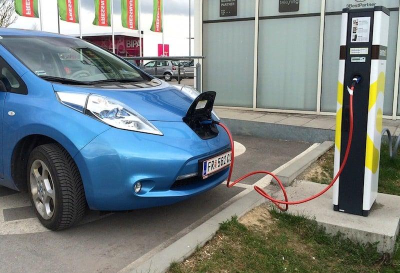 Kreisel Electric stellt 22 kW On-Board-Ladegerät für Nissan Leaf und e-NV200 vor