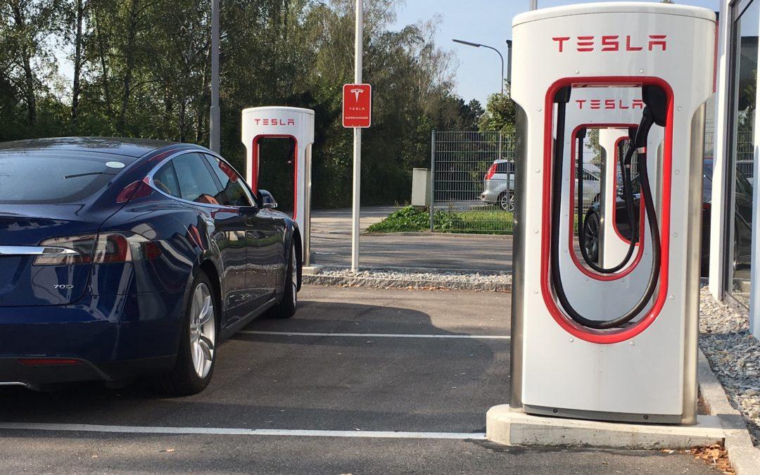 Wenn Elektroautos Elektroautos die Ladesäulen verstellen (1/2)