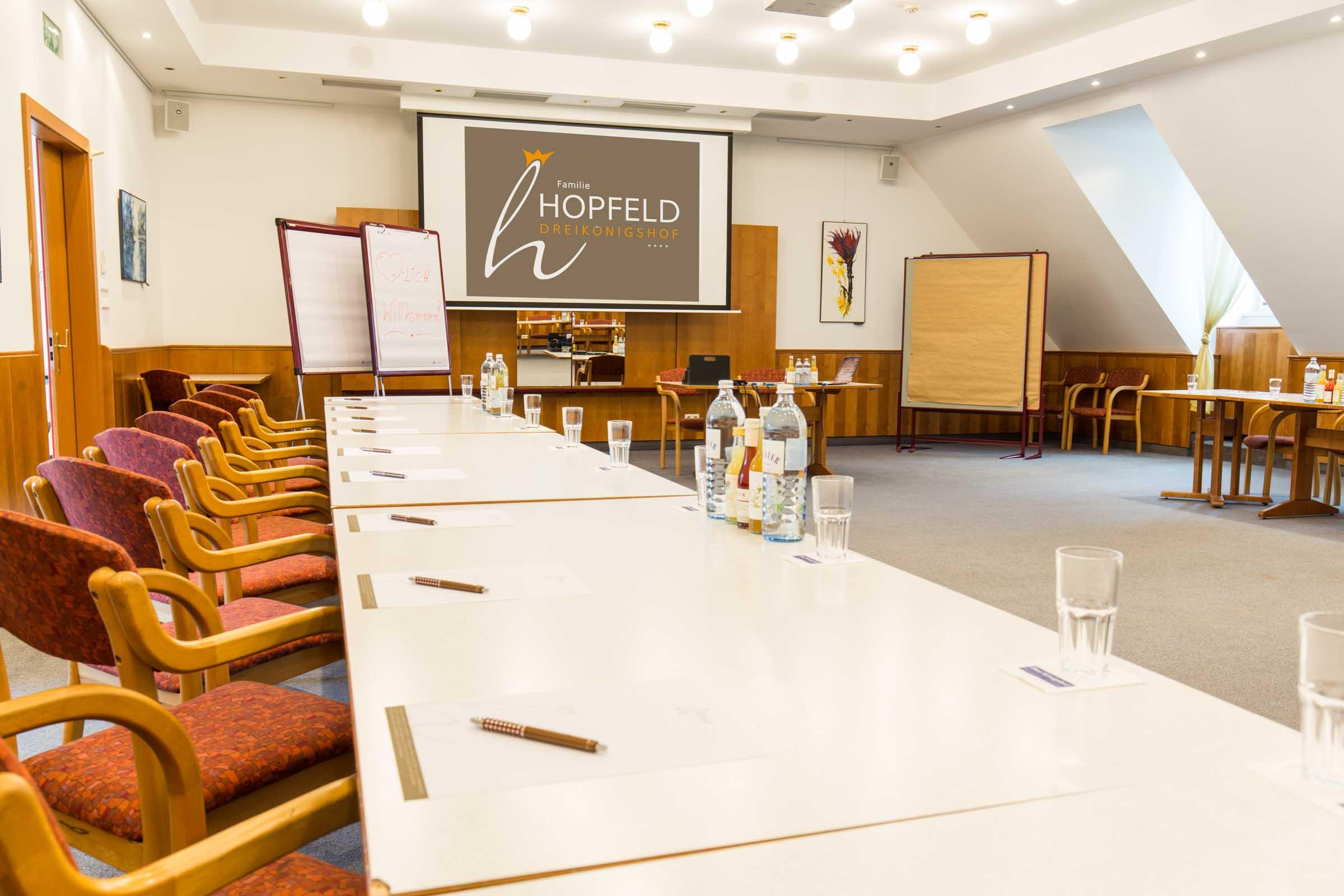 E-Mobility – Kompetenztreffen NIEDERÖSTERREICH Mai » Seminare Tagungen Meetings Incentivs Firmenveranstaltungen Stockerau Familie Hopfeld Dreikoenigshof 12