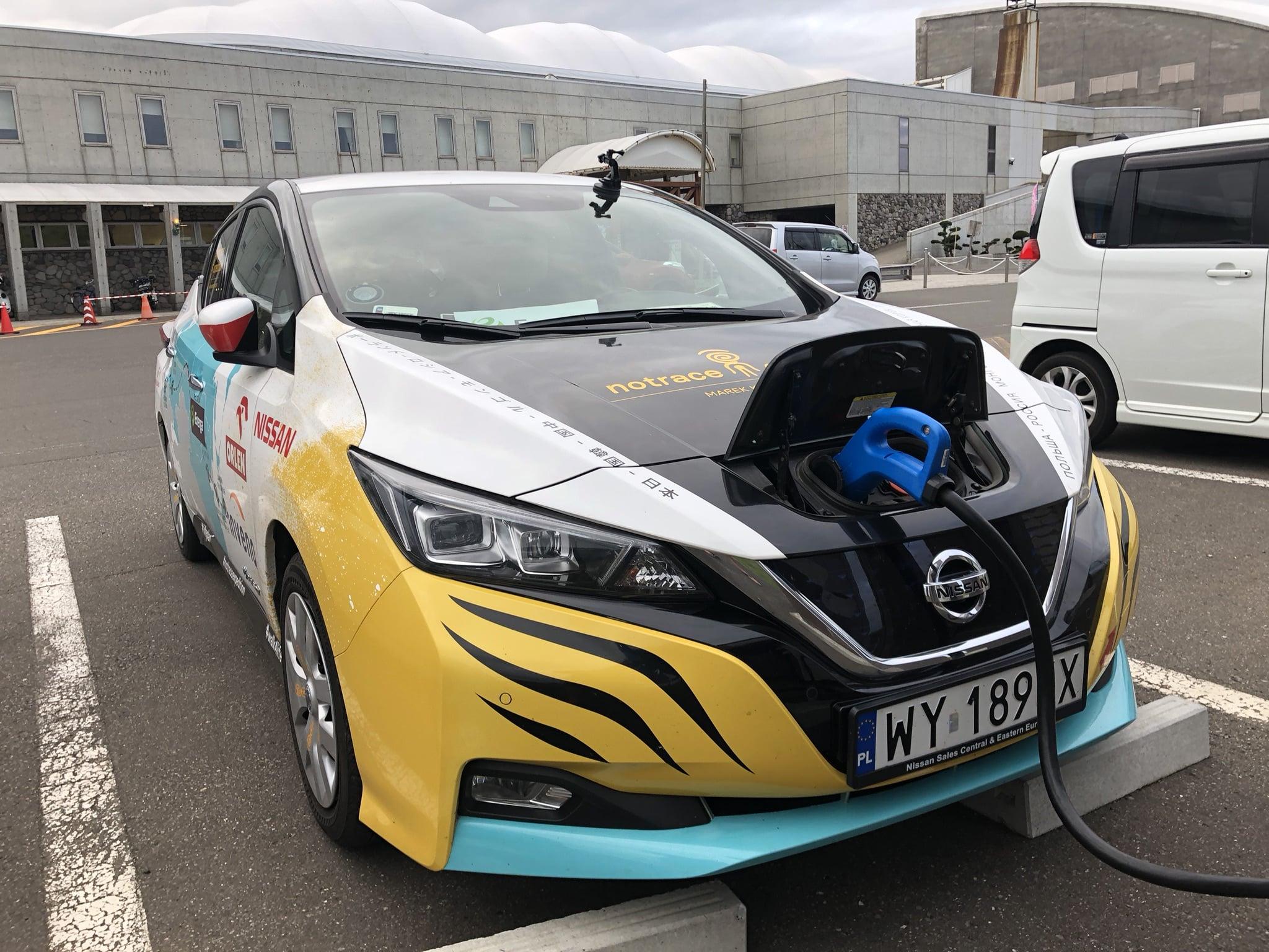 Abenteurer fährt neuen Nissan Leaf über 16.000 Kilometer und zwei Kontinente » 426232401 Abenteurer f hrt neuen Nissan Leaf ber 16 000 Kilometer und zwei
