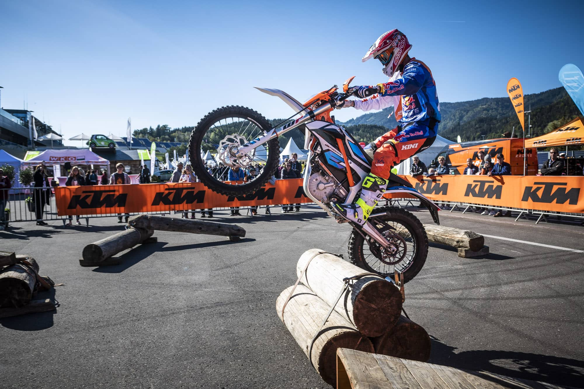 E-MOBILITY PLAY DAYS 2018 LOCKTEN 39.500 BESUCHER AN! » E Mobility Play Days 2018 Dieter Rudolf © Philip Platzer Red Bull Content Pool