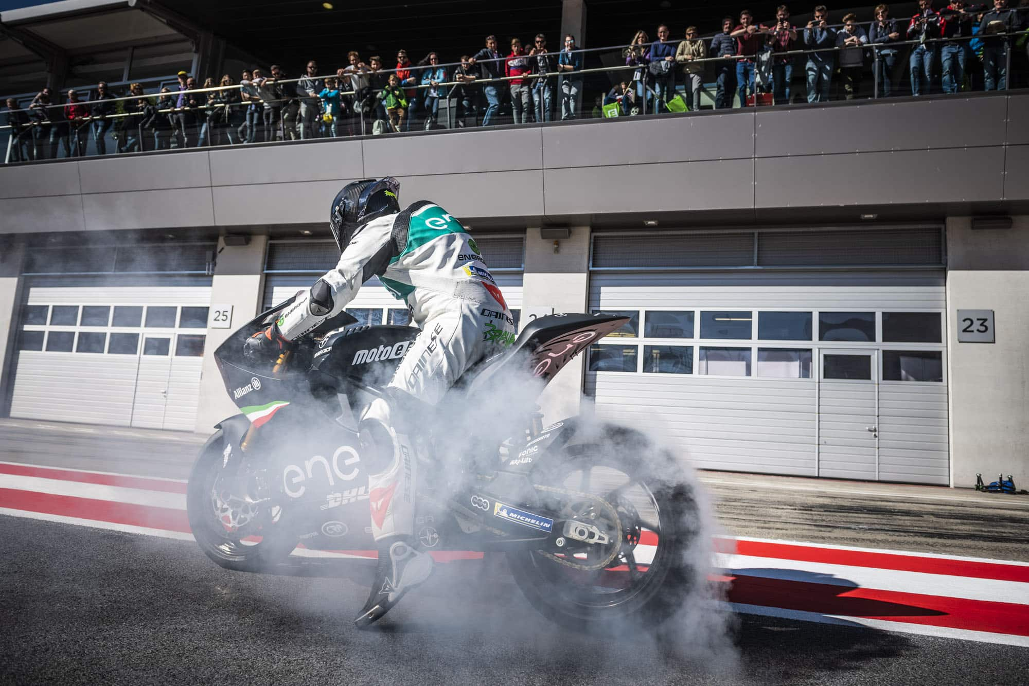 E-MOBILITY PLAY DAYS 2018 LOCKTEN 39.500 BESUCHER AN! » E Mobility Play Days 2018 MotoE © Philip Platzer Red Bull Content Pool