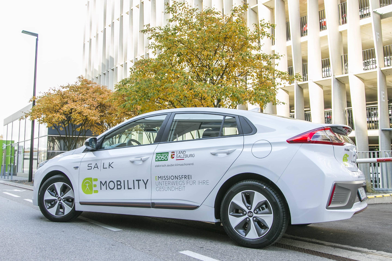 Salzburger Landeskliniken werden zum Vorreiter in Sachen Elektromobilität » Firmenfahrzeug SALK Bildrecht Wildbild