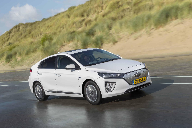 Hyundai IONIQ Elektro Facelift MY20 » ioniq elektro polar white 33 min