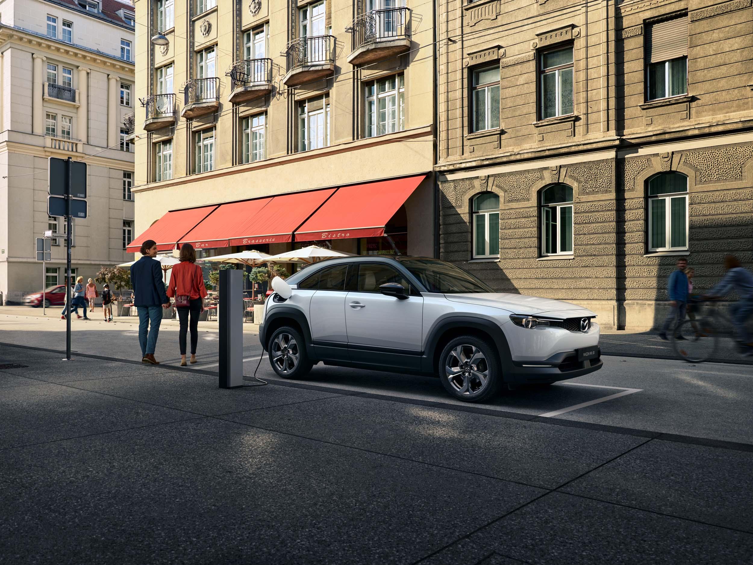 Voll elektrisch - Weltpremiere des Mazda MX-30 » Der neue Mazda MX 30