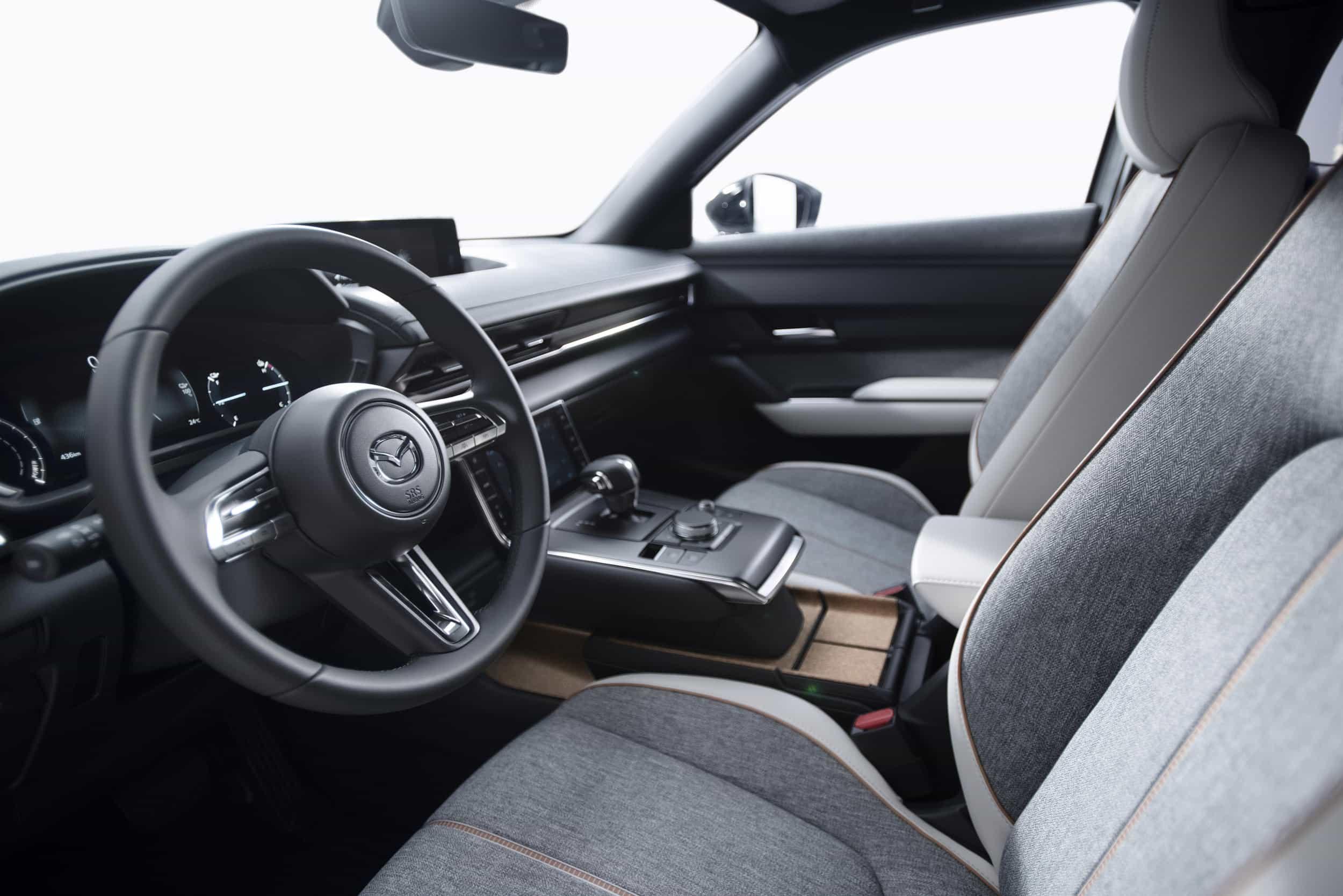 Voll elektrisch - Weltpremiere des Mazda MX-30 » Mazda MX 30 Interior