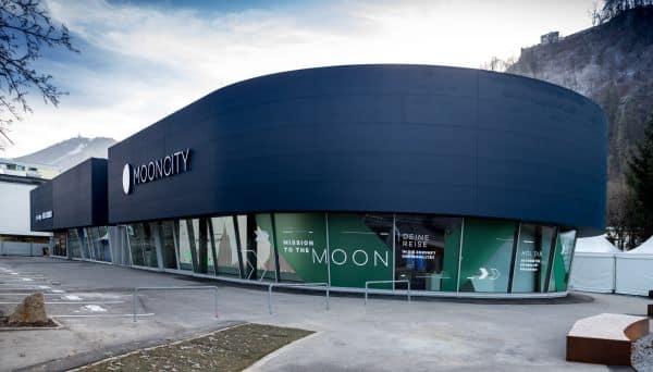 MOONCITY - Zentrum für neue und elektrische Mobilität » 191206 CH H6221