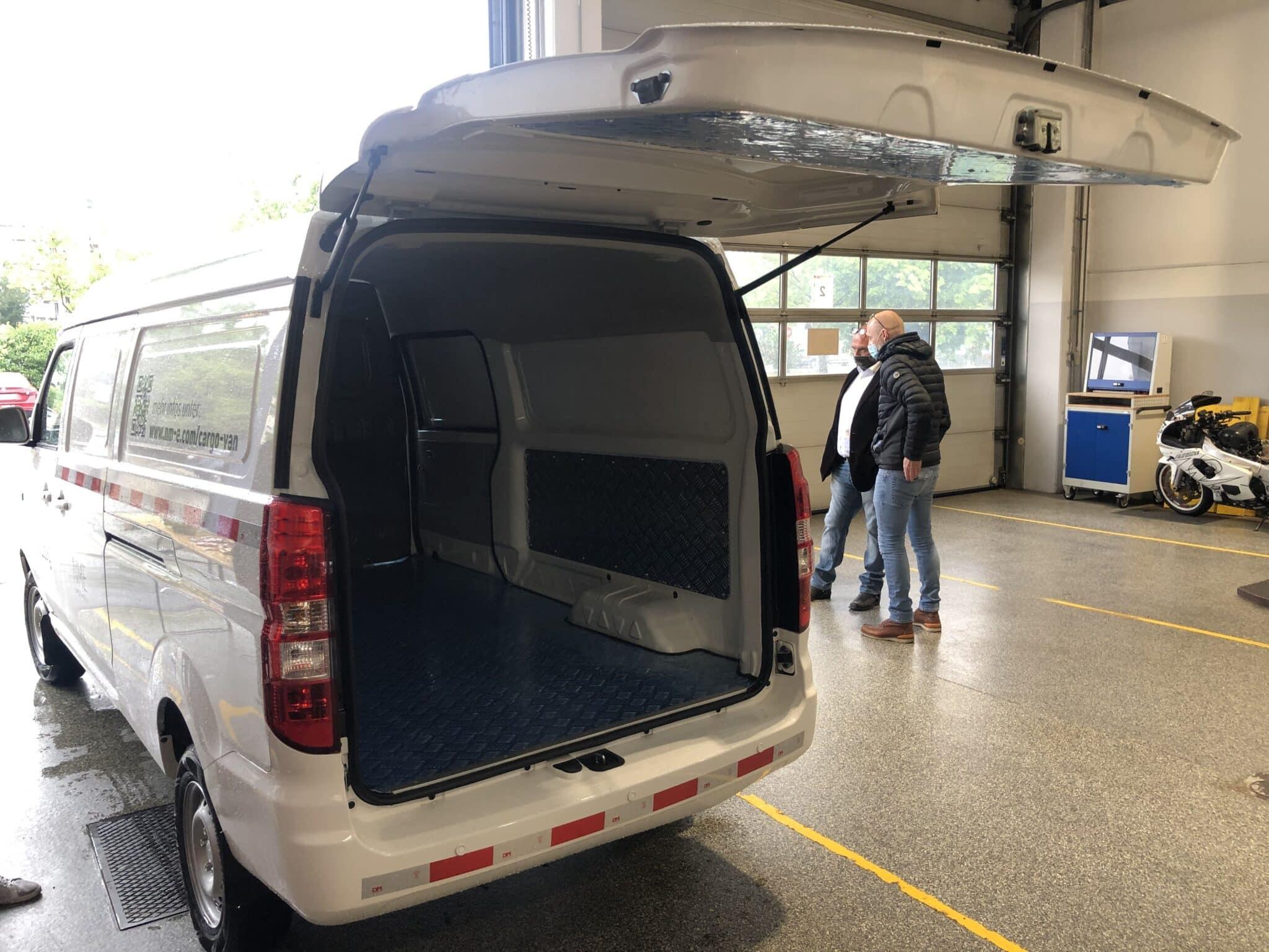 E-Kastenwagen von NME mit günstigem Preis und viel Platz! » NME Cargo Van 05 min scaled