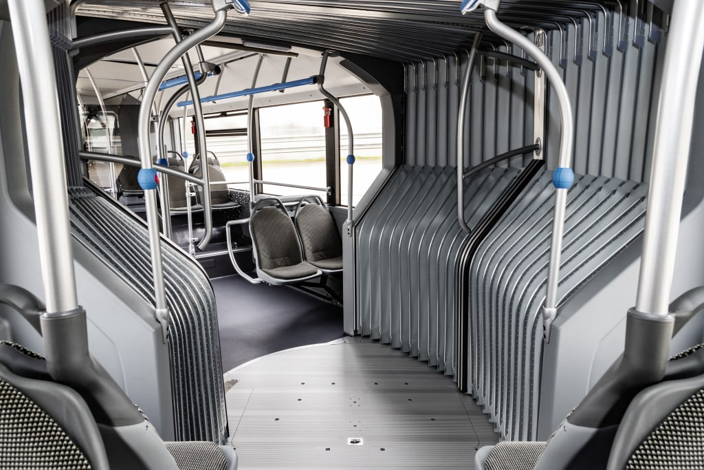 Vollelektrischer Mercedes Benz eCitaro G - Gelenkbus » 20C0146 071