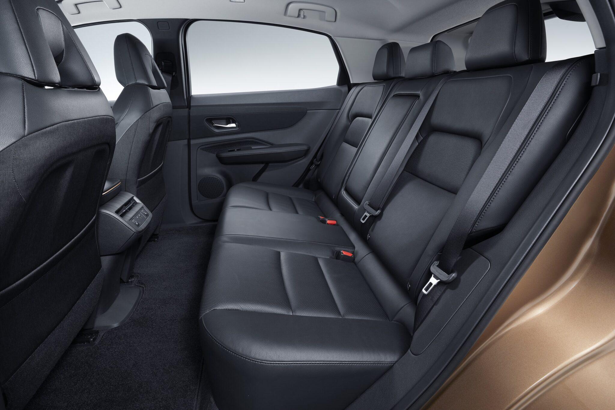 Coupé-Crossover - Vollelektrischer Nissan Ariya » ARIYA Interior Image  Rear seat min scaled