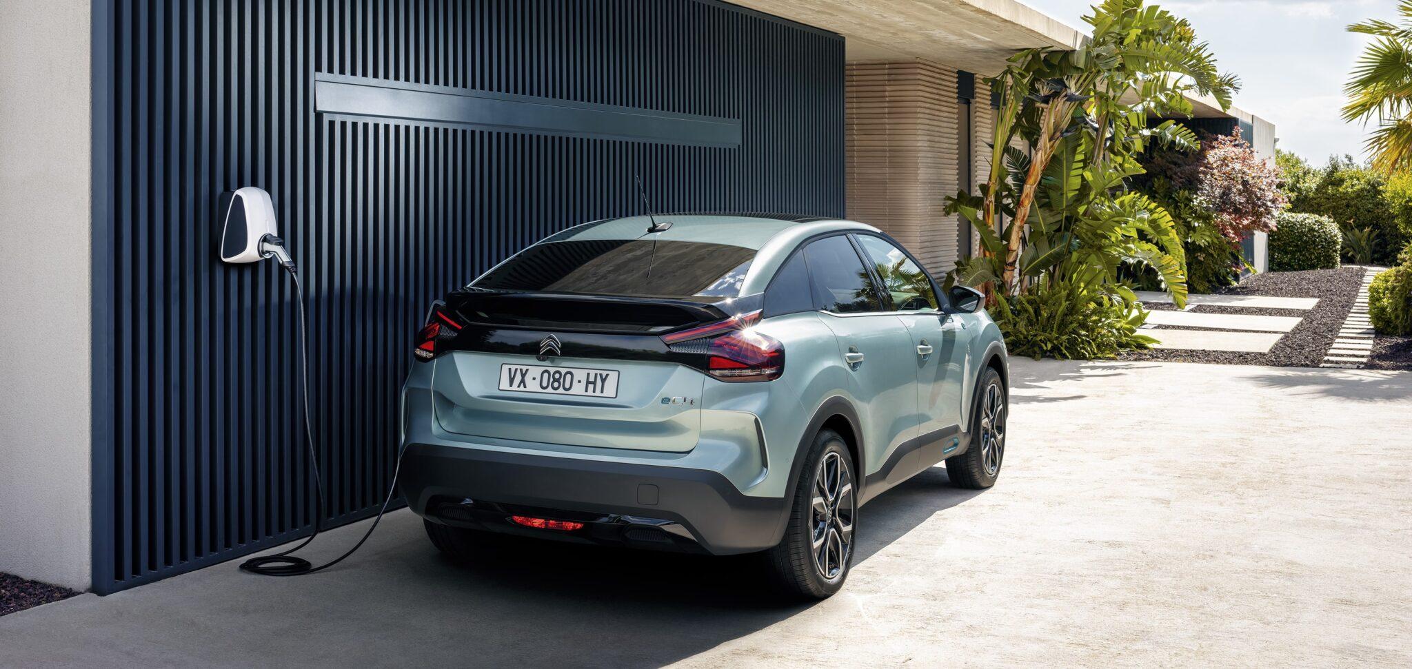 Neuer ë-C4 - Citroën erfindet die Kompaktlimousine NEU! | CL 20.026.004 min scaled