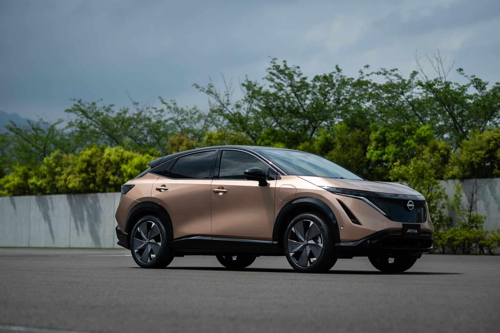 Coupé-Crossover - Vollelektrischer Nissan Ariya » Nissan Ariya front quarter 2 min scaled