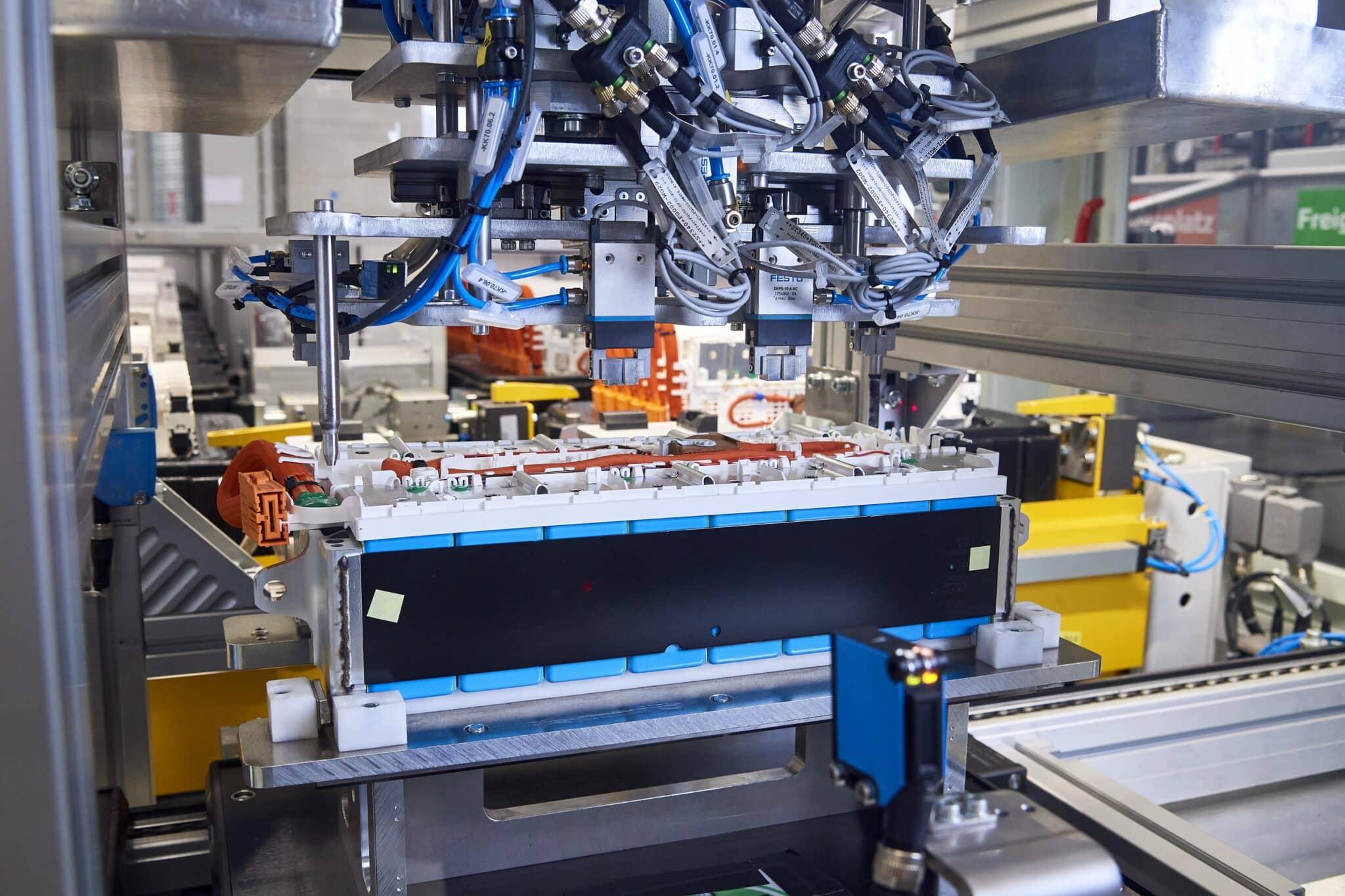 BMW Group beschleunigt Elektromobilität | P90392498 highRes min scaled
