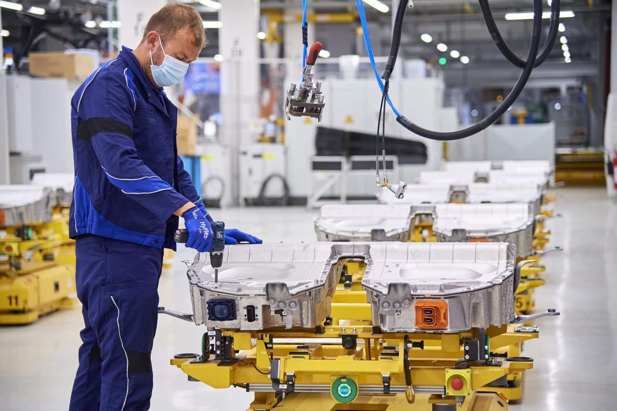 BMW Group beschleunigt Elektromobilität » P90392505 highRes min scaled