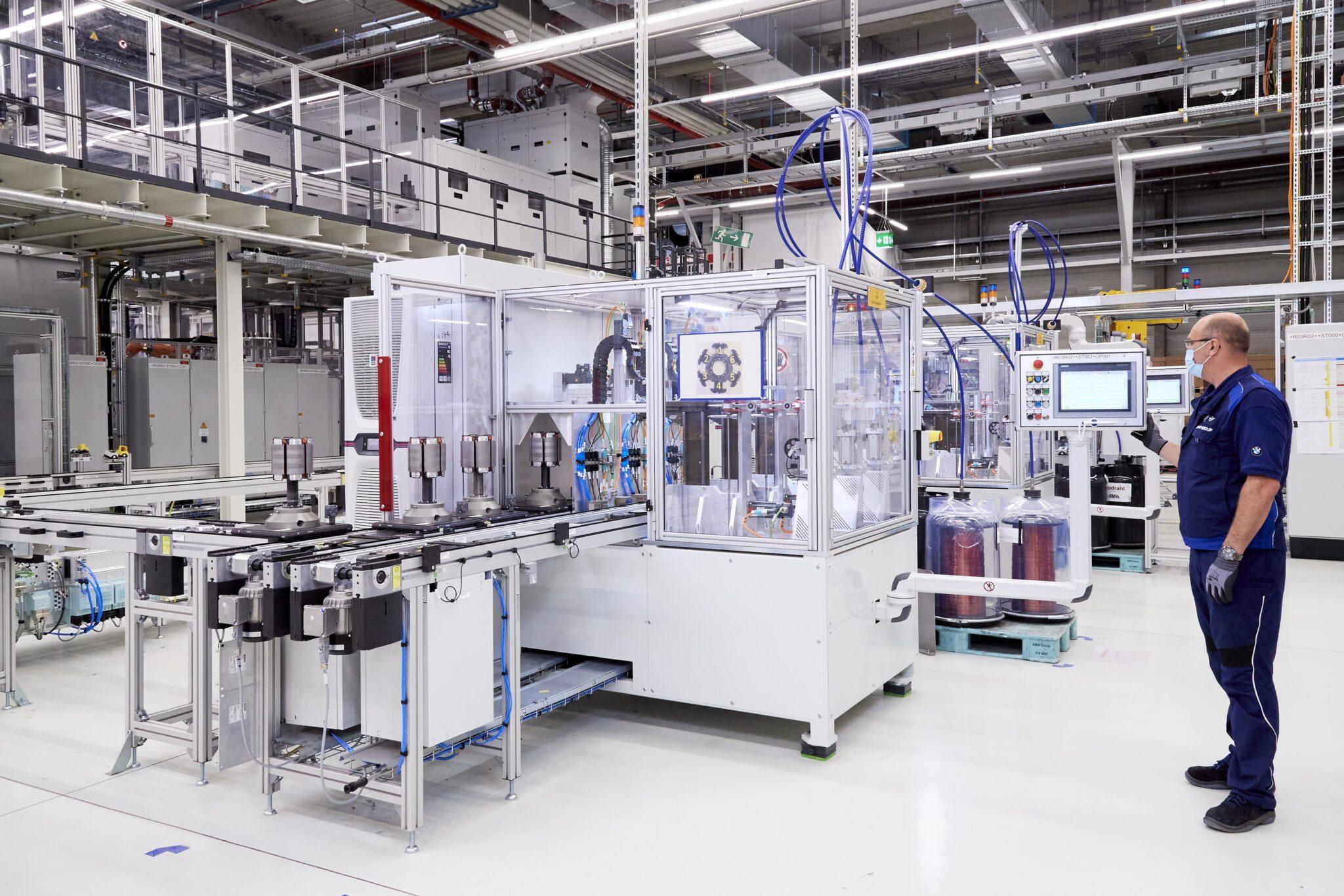 BMW Group beschleunigt Elektromobilität   P90392508 highRes min scaled