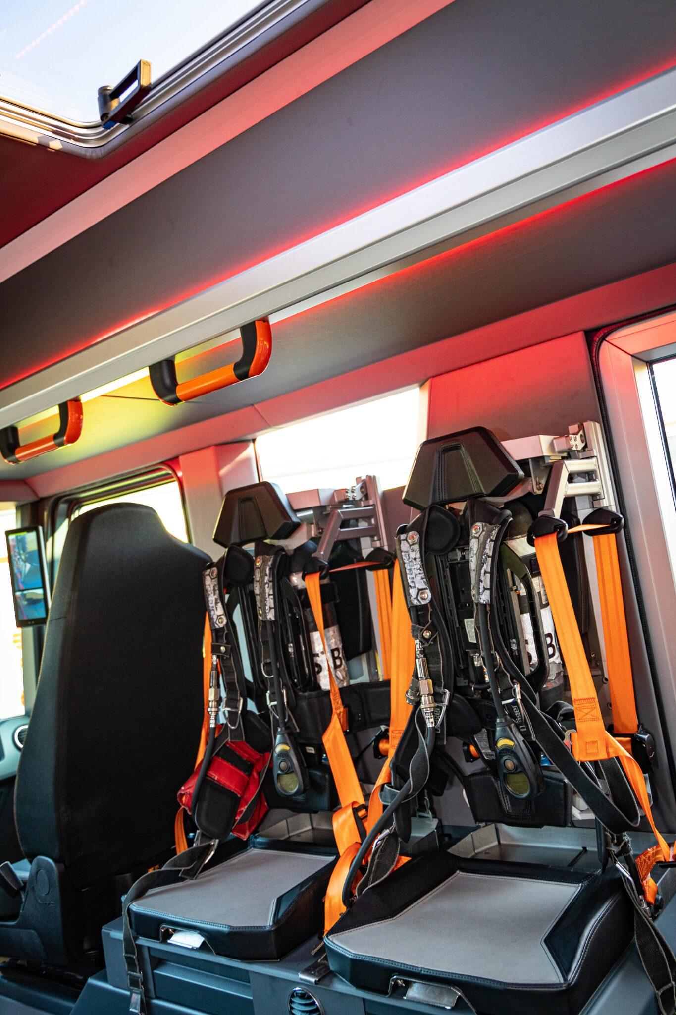 Rosenbauer bringt mit dem RT die Zukunft des Feuerwehrfahrzeuges auf die Straße » 26 0K4A0572 min scaled