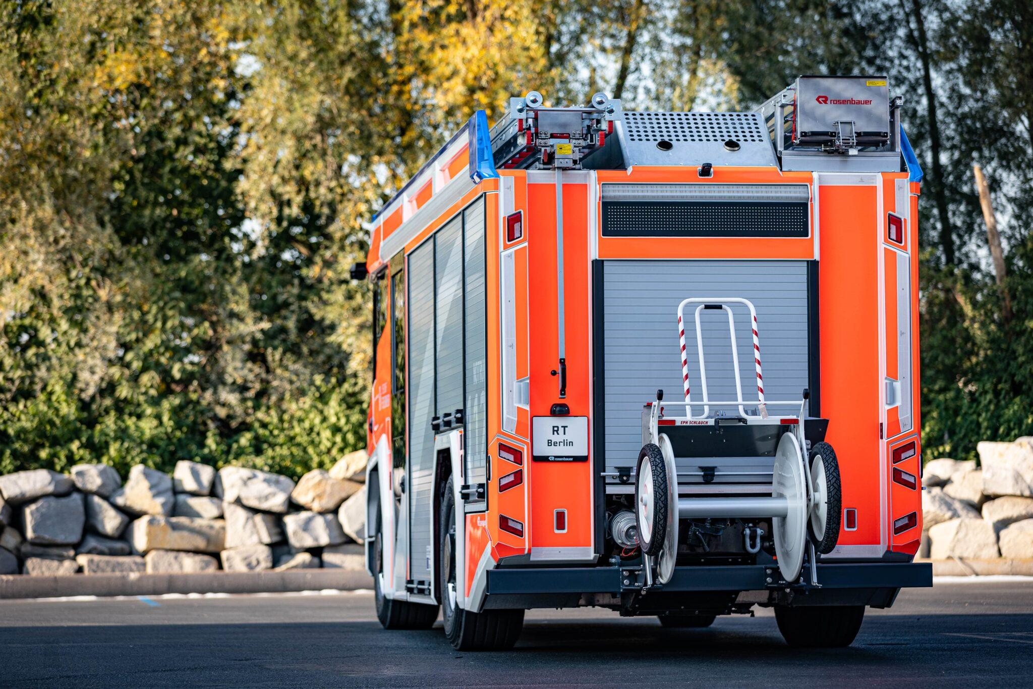 Rosenbauer bringt mit dem RT die Zukunft des Feuerwehrfahrzeuges auf die Straße » 31 DS2A0611  1  min scaled
