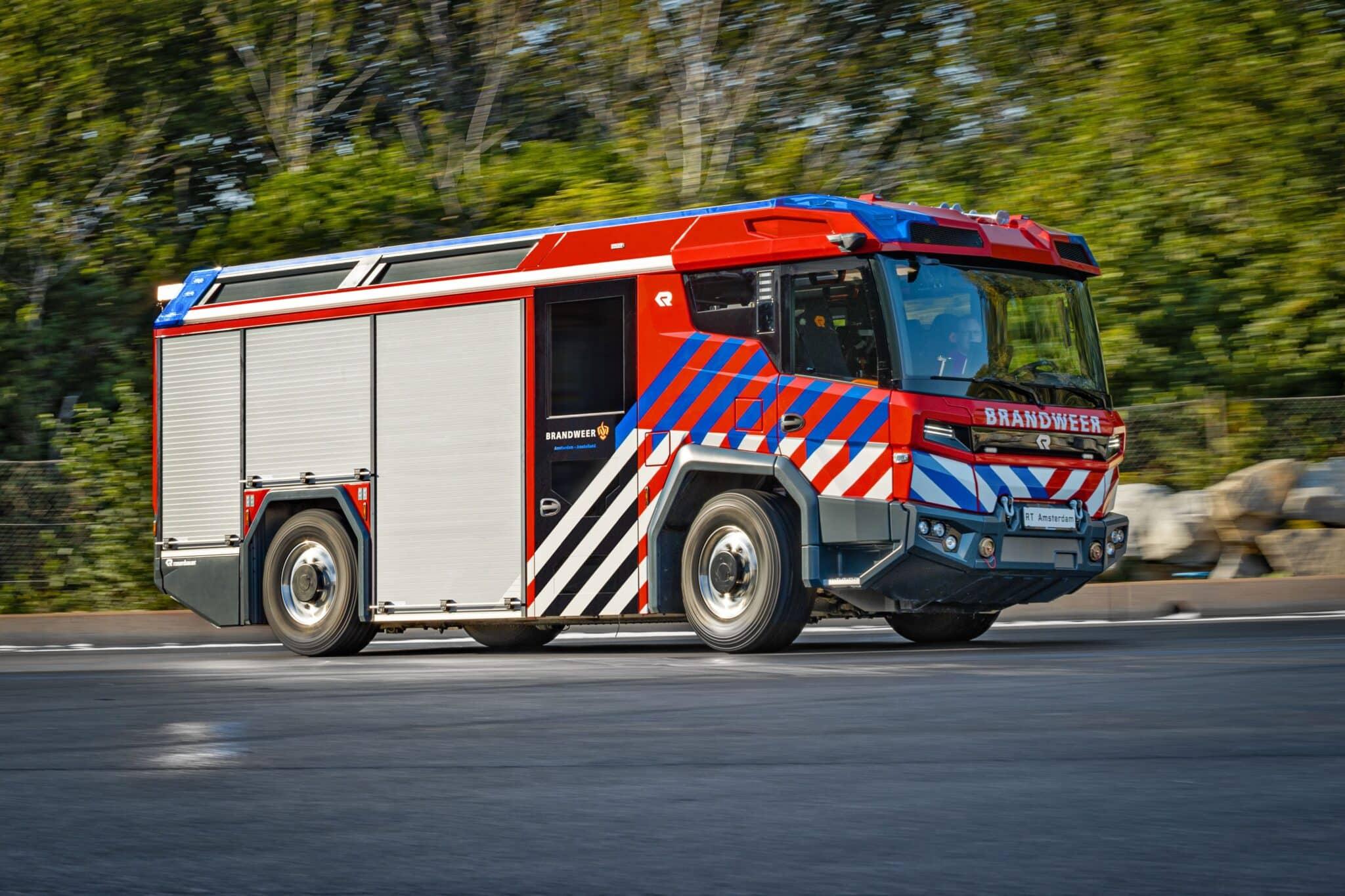 Rosenbauer bringt mit dem RT die Zukunft des Feuerwehrfahrzeuges auf die Straße » 36 AX3I1554  2  min scaled