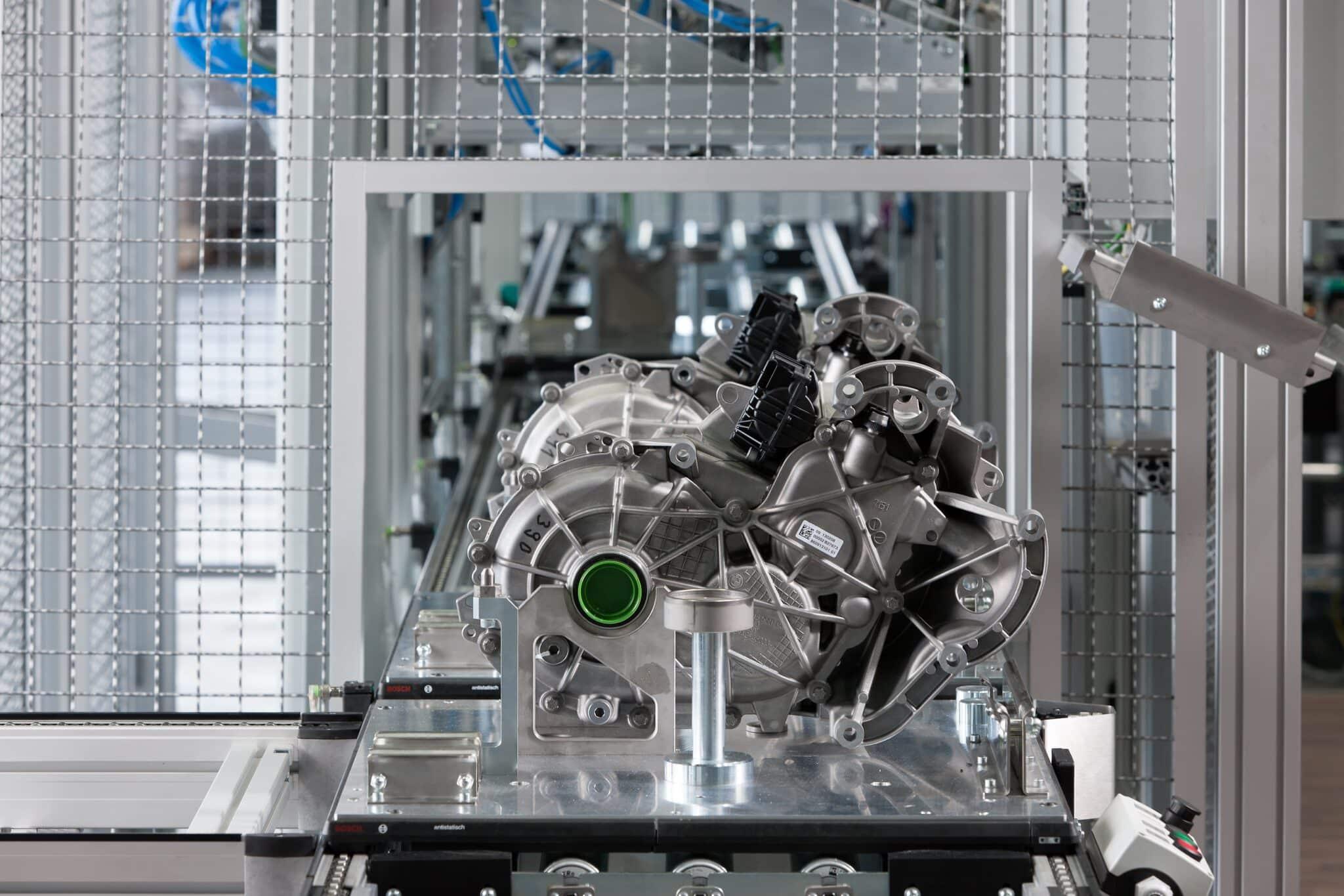 BMW Group Werke Dingolfing und Landshut feiern Meilenstein der Elektromobilität » P90128024 highRes bmw i3 production bm min scaled