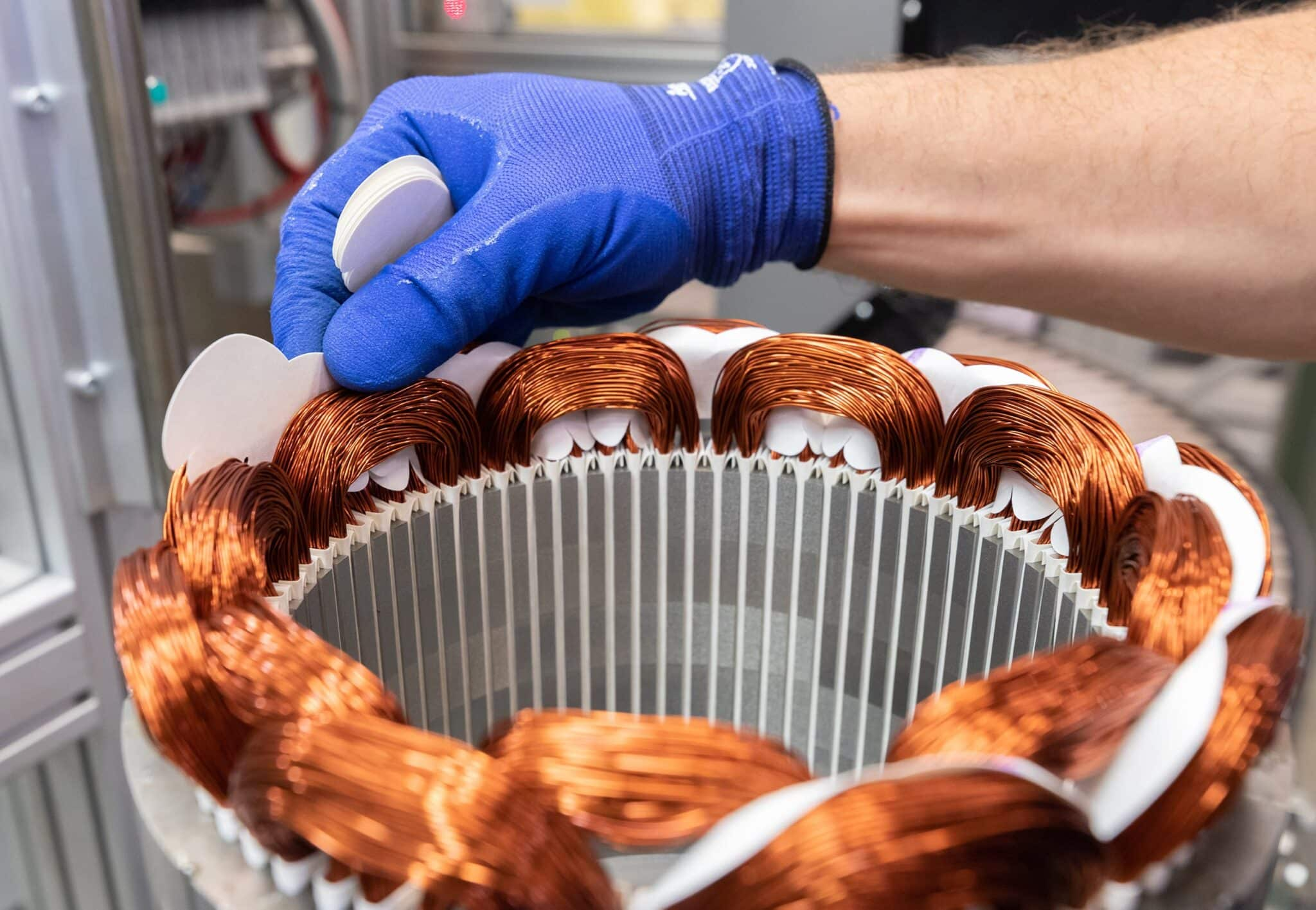 BMW Group Werke Dingolfing und Landshut feiern Meilenstein der Elektromobilität » P90404321 highRes precision and style min scaled