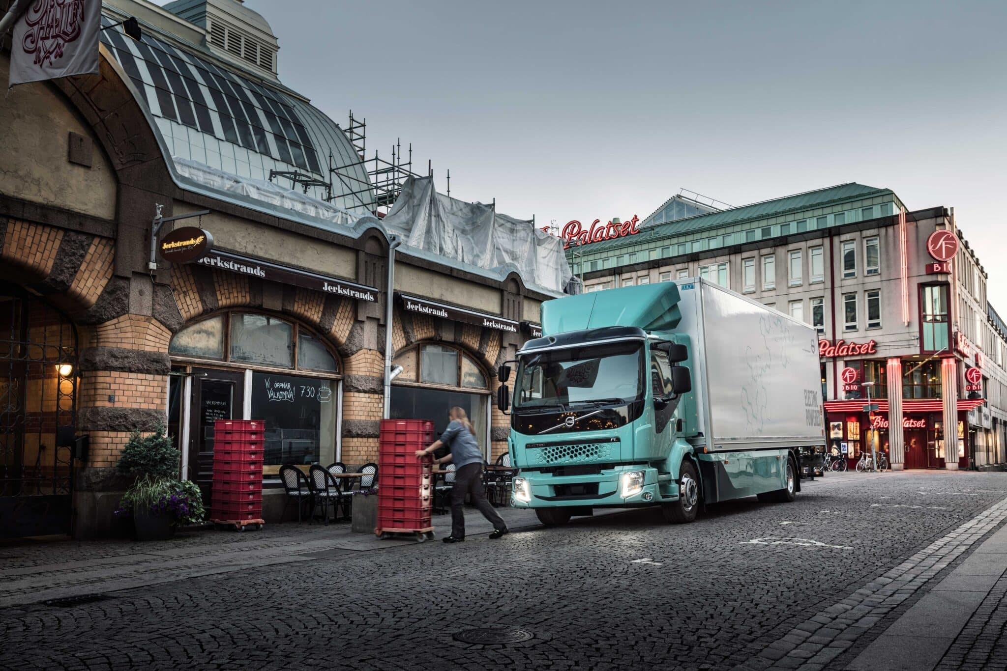 Volvo Trucks verkauft ab 2021 komplette Modellpalette elektrisch angetriebener Lkw » electric trucks starting in europe image2 min scaled
