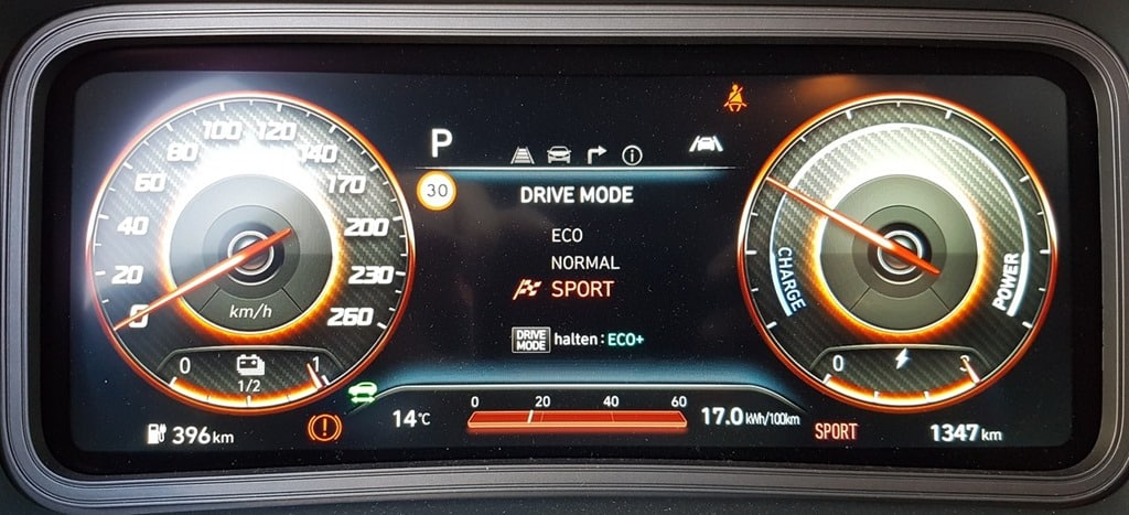 Hyundai Kona EV Facelift - Praxistest | 20210425 110342 Armaturenbrett