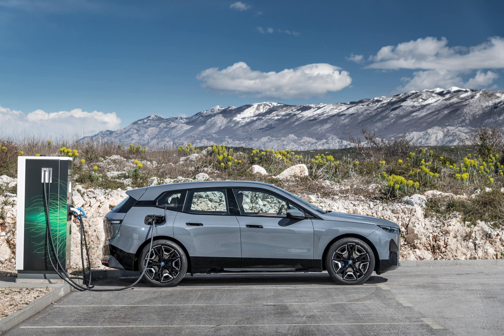 Der erste BMW iX. | P90422144 highRes the bmw ix xdrive50 min scaled